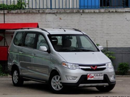2015款 五菱宏光S 1.5L AT 豪华型 国IV